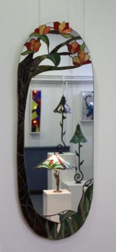 Creative idea of mosaic. Stained Glass Frames, Stained Glass Ornaments, Stained Glass Flowers, Stained Glass Designs, Stained Glass Projects, Fused Glass Art, Stained Glass Patterns, Stained Glass Art, Mirror Mosaic
