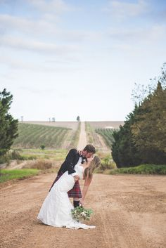 Rustic Greyton Wedding | SouthBound Bride | http://www.southboundbride.com/rustic-high-tea-wedding-at-oewerzicht-farm-cottages-by-yeah-yeah-photography | Credit: Yeah Yeah Photography