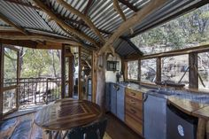 Treehouse Blue Mountains - Treehouses for Rent in Bilpin, New South Wales, Australia Tropical Interior, Interior Garden, Interior Design, Newport Beach, South Wales, Cape Cod, Blue Mountains Australia, Mountain Cottage, Cool Tree Houses