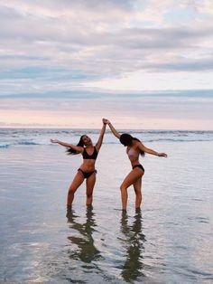 Cute Beach Pictures, Cute Friend Pictures, Beach Sunset Pictures, Tumblr Beach Pictures, Lake Pictures, Vsco Pictures, Family Pictures, Foto Best Friend, Best Friend Photos