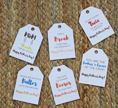 Father's Day is just a few days away, don't panic if you haven't gotten a gift yet! I created these free printable candy tags just for you! Diy Father's Day Gifts Easy, Father's Day Diy, Fathers Day Crafts, Happy Fathers Day, Fathers Day Ideas, Kid Crafts, Daddy Gifts, Gifts For Dad, Grandpa Gifts