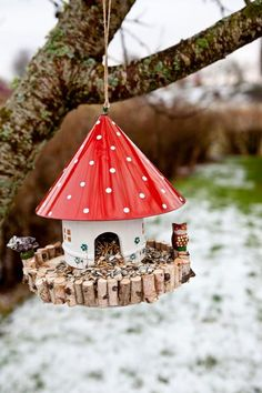 I'm always looking for great upcycling crafts! This funny mushroom house was found at a thrift store- with some minor repairs you can turn it in to a whimsical diy bird feeder!