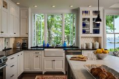Hills Beach Cottage - traditional - kitchen - portland maine - Whitten Architects