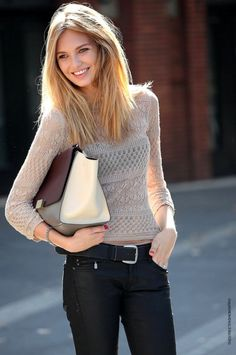 ★So, I would never have worn the peek-a-boo belly sweater, but I do love this look.