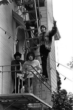 Rolling Stone's first photographer, Baron Wolman, shot this photo of Pink Floyd at the Casa Madrona Hotel in Sausalito. In town for what was to be two shows at San Francisco's Winterland during Pink Floyd's first trip to the States. David Gilmour, Classic Image, Classic Rock, Great Bands, Cool Bands, Musica Punk, Barrett, Psychedelic Music, Roger Waters