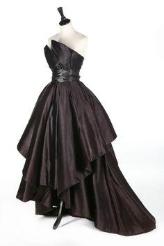 Dior evening dress, fall/winter 1948