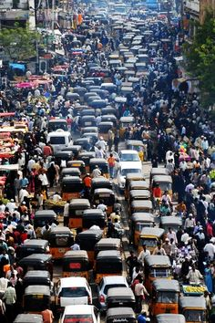 Road congestion / traffic jam in the city of Patna, India in December 2009.