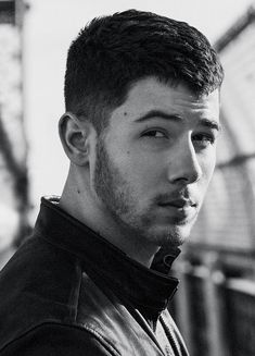 Nick Jonas Gallery : Photo