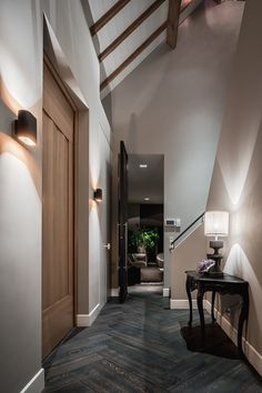 Duell lighting in a private residence. Picture by Peter Baas - Designed by Francois Hannes. Victorian Stairs, Victorian Homes, White Hardwood Floors, Entryway Mirror, Hallway Lighting, White Carpet, Light Architecture, Hallway Decorating, Modern Interior Design