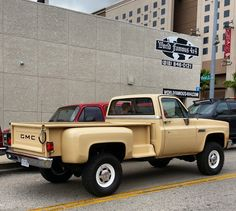 I really like this model/ style Truck Old Pickup Trucks, Chevy Pickup Trucks, Gm Trucks, Chevy Pickups, Cool Trucks, 72 Chevy Truck, Chevrolet Trucks, Shop Truck, Square Body