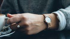 Wil jij een nieuw dameshorloge en kan je wel wat inspiratie gebruiken? Check dit gave artikel over 5x leuke en prachtige prisma dameshorloges voor elke dag! Silver Rings, Blog, Jewelry, Jewlery, Jewerly, Schmuck, Blogging, Jewels, Jewelery