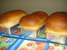 O Pão Fácil é fácil de fazer, fofinho e rende bastante. Faça o pão fácil para o lanche da sua família e receba muitos elogios. Confira a receita!