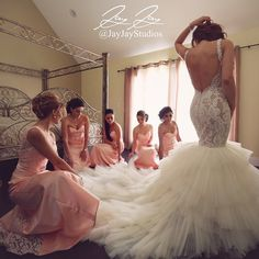 Tag your bridesmaids !!!!😍😍😍 Our beautiful bride having a moment with her…