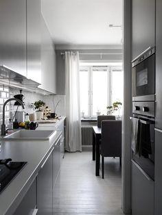 Interieur inspiratie uit Zweden #home #homedecor #homedesign #homeinterior #homestyle #homesweethome #inspiration #inspirational #interieur #interieurdesign #interieurinspiratie #interieurstyling #interior #interiorandhome #interiordesign #interiordesignideas #interiordetails #interiorinspiration #interiorlovers #interiors #interiorstyle #interiorstyling #living #livingroom #style #wonen   Voor meer interieur inspiratie kijk ook eens op http://www.wonenonline.nl/interieur-inrichten/