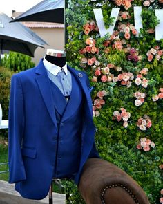 Khula Gavito's Tailored Suits. Every Men needs a suit.  Www.khulagavito.co.za   @tailormesa @suited_man  @suit.world  @suitltd