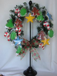Love this idea of a cookie wreath