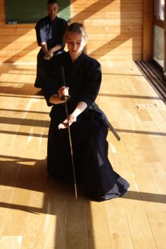 Iaido, dojo de l'Esprit Direct, Centre zen de la Falaise Verte. Caroline de Fréminville. meibukan.fr