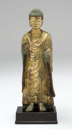 Standing Buddha in Abhaya-vara mudra, Northern Qi Dynasty