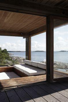 The Finnish summer house offers a unique opportunity for their owners to relax, get back intouch with nature, and enjoy outdoor activitie. House Viewing, Alvar Aalto, Mediterranean Homes, Modern Architecture, Scandinavian Architecture, My Dream Home, Strand, Building A House, Beach House