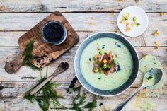 Schon mal eine Kartoffel-Gurken-Suppe mit Räucherlachs-Einlage zubereitet? Unbedingt ausprobieren!