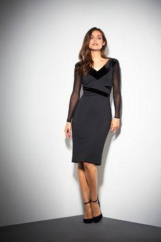 Shop our collection of stylish women's dresses and discover a range of pieces to suit every taste. From bodycon dresses, to loose-fitting maxi styles that are perfect for summer, we've got everything you need to build a trendy and dynamic wardrobe. Maxi Styles, Panel Dress, Neck Pattern, Types Of Sleeves, Bodycon Dress, Dresses For Work, Velvet, V Neck, Winter 2017
