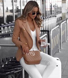 Amazing Winter Fashion Outfits 2018 Ideas 17 - My Style - Bikini Mode Winter Fashion Outfits, Fall Outfits, Autumn Fashion, Outfits 2016, Fashion Clothes, Fashion Dresses, Halloween Outfits, Easy Halloween, Hijab Fashion