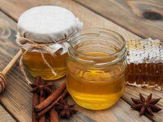Get rid of Bed bug bites. Remedies to treat Bed bug bites. Curcumin Benefits, Turmeric Curcumin, Cinnamon Tea, Honey And Cinnamon, Home Remedies, Natural Remedies, Bed Bug Bites, Heal Cavities, Ginger And Honey