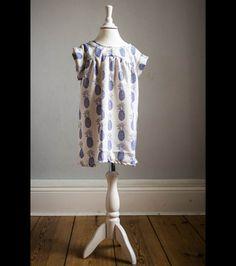 Sommerkleid mit Ananasmotiv für Mädchen, Kinderkleidung/ girl tunic with ananas print by MiraundEvelyn via DaWanda.com