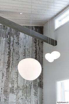 olohuone,tapetti,tehosteseinä,kattovalaisimet,asuntomessut Decor, Nordic, Decor Design, Nordic Design, Ceiling Lights, Ceiling, Home Decor, Light, Chandelier