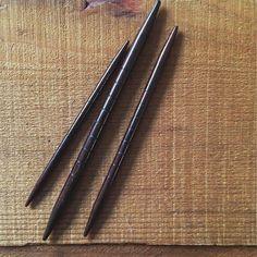 Notched hardwood cable needles (set of 3) | Fringe Supply Co.