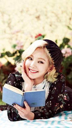 Hyoyeon is so pretty. How can people think she is ugly?