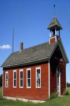 Little Red School House - probably similar to the where Mom taught in '48 - '49.