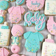 Sweet baby shower set last week! Baby Cookies, Baby Shower Cookies, Royal Icing Cookies, Sugar Cookies, Gender Reveal Cookies, Baby Reveal Cakes, Gender Reveal Party Decorations, Baby Gender Reveal Party, Baby Shower Treats