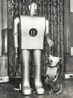 ELEKTRO SMOKING ROBOT AND SPARKO WESTINGHOUSE 1939