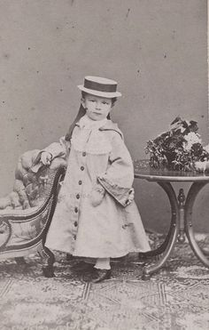 Fourth child, third daughter: Marie Valerie Mathilde Amalie of Austria - Archduchess and Princess Imperial, Royal Princess of Hungary, Croatia and Bohemia. (22 april 1868 - † 6 september 1924). She was born in Ofen (Buda) in Hungary and died aged 56, in Vienna (Photo: ca. 1870)