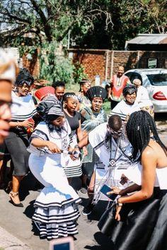 A Xhosa Engagement - South African Wedding Blog Zulu Wedding, Wedding Blog, Wedding Styles, Xhosa, South African Weddings, Married Woman, Beaded Bracelets, Engagement, Rock