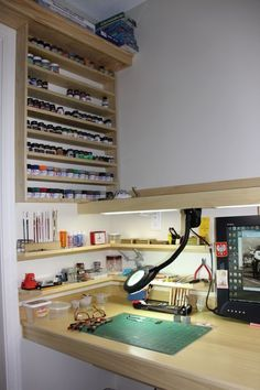 GET RID OF THAT OLD SINK and make this using the white shelf board bought for ma's computer desk! HOBBY ROOM and relax. destress avoid the aneurysm and more V A agony. Hobby Desk, Hobby Room, Hobby Lobby, Home Workshop, Garage Workshop, Painting Station, Working Area, Game Room, Home Projects