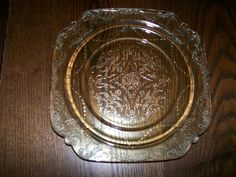"""Madrid Depression Glass (1932-1939) 8 7/8"""" Amber Luncheon Plate"""