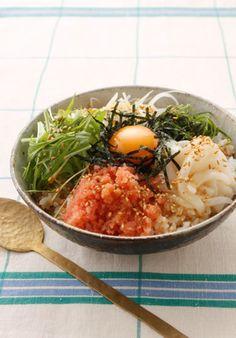いか明太ビビンバ。 Bibimbap of squid and mentaiko.