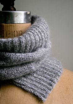 Laura's Loop: Salt and Pepper Cowl - The Purl Bee, knitting pattern
