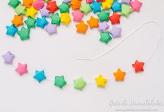 Móvil colorido con estrellas de origami - Guía de MANUALIDADES Art, Origami Stars, Colors, Craft Art, Kunst, Gcse Art, Art Education Resources