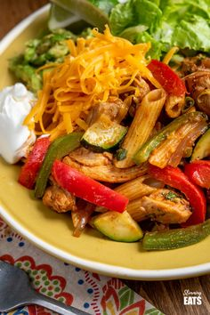 Syn Free Fajita Chicken Pasta - all the great flavours of chicken fajita's in this amazing pasta dish that the whole family will love. Slimming World and Weight Watchers friendly Slimming World Chicken Recipes, Easy Chicken Recipes, Pasta Recipes, Cooking Recipes, Slimming Recipes, Cooking Tips, Chicken Fajitas, Chicken Pasta, Cheap Healthy Dinners