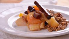 Compota de fruta de invierno con migas crujientes de almendra y naranja - Elena Aymerich - Receta - Canal Cocina