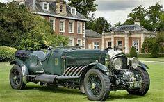 Bentley-esque body, Rolls Royce chassis, Rolls Royce Meteor 27-litre V12 engine. Beautiful!