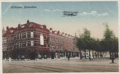 Hillelaan, Rotterdam. Hier woonde ik vroeger en hadden mijn Oma en Opa het cafe van Toren. Dienij de Lang.