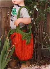 Ravelry: Pumpkin Trick or Treat Bag pattern by Yarn Twins