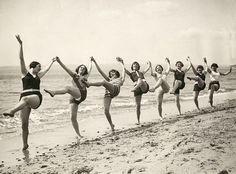 All sizes | Bournemouth, danseressen op strand 1925 | Flickr - Photo Sharing! - bathroom art