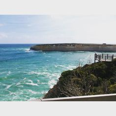 A good few hours I stayed in that spot  // Another Great Ocean Rd trip throwback  @greatoceanroad #greatoceanroad #australia #melbourne #view #scenary #outdoors #tb by lydiawardd