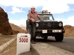 An incredible journey all around the world: Gunther Holtorf has visited 215 countries, regions and territories, covered 900,000 kilometres in the same car and been on the road for 26 years. A story of freedom, happiness, adventure and a great love.