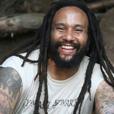 What a beautiful smile. Beautiful Smile, Gorgeous Men, Marley Brothers, Bob Marley Pictures, Marley And Me, Robert Nesta, Nesta Marley, Sexy Ass, Reggae